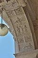 Biblioteca marciana Venezia arco con bassorilievo.jpg