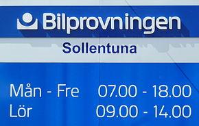 Bilprovningen Sollentuna 2014. jpg