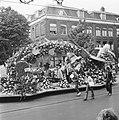 Bloemencorso in Amsterdam, Bestanddeelnr 926-6526.jpg