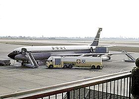 Un 707 nel 1964 all'aeroporto di Londra-Heathrow