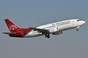 Boeing 737-3Q8 5R-MFI Air Madagascar (15887810450).jpg