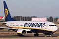 Boeing 737-8AS Ryanair EI-EFX (6741274609).jpg