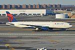 Boeing 777-232ER 'N865DA - 7006' Delta (30631135242).jpg