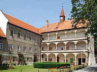 Bohutice-zámek.jpg