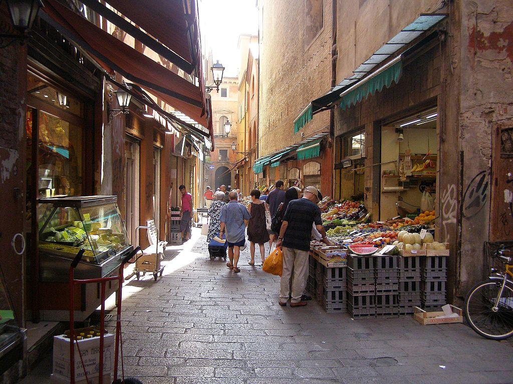 Primeurs de la Via Pescherie Vecchie à Bologne - Photo d'Andrzej Otrębski.