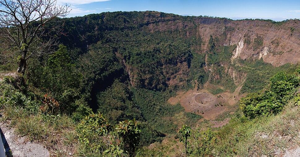 Boquerón crater
