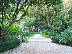 Kaštela - Image: Botanic School Garden Kastel Luksic 1