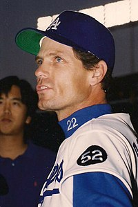 Brett Butler, Los Angeles Dodgers, April 14, 1993.jpg