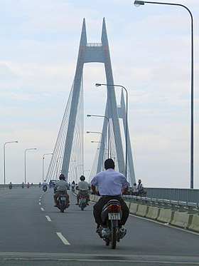 Bridge in Haiphong.jpg
