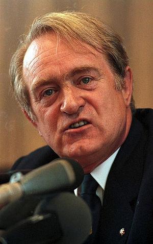 North Rhine-Westphalia state election, 1990 - Image: Bundesarchiv B 145 Bild F073494 0025, Bundespressekonferen z, Bundestagswahlkampf, Rau