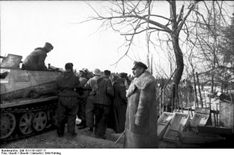 Battle for Narva Bridgehead - Strachwitz with fellow soldiers prior to the offensive, 21 March 1944