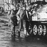 Bundesarchiv Bild 183-J22454, Charkow, Schützenpanzerwagen der SS (cropped).jpg