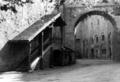 Burghausen, Hauptburg - Links der Zugang zur Jugendherberge, Juli 1956.png