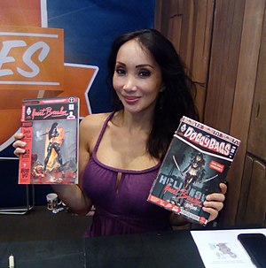 Katsuni - Céline Tran signing her comics at the 2017 Japan Expo.