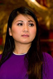 Tâm Đoan Canadian-Vietnamese singer