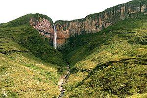 Cachoeira do Tabuleiro.jpg