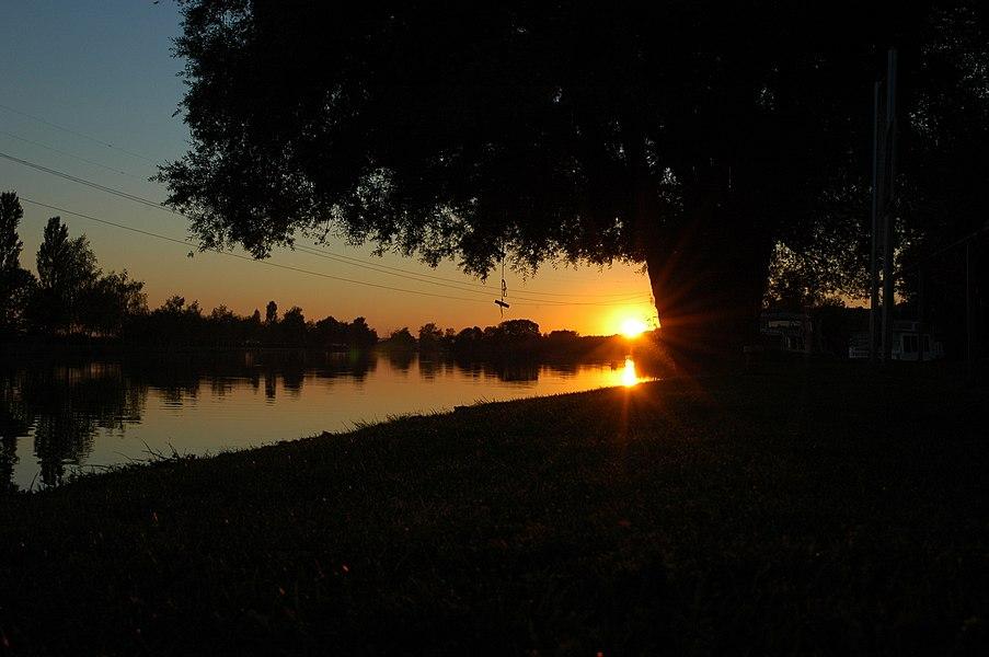 Sonnenuntergang am Rhein-Marne-Kanal bei Parroy, Meurthe-et-Moselle