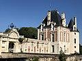 Chateau-de-selles-sur-cher-pavillon-bethune-et-porte-du-carillon.jpg