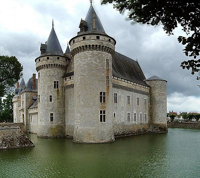 Datei:Chateau Sully sur Loire5.jpg