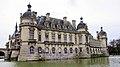 Chateau at Chantilly (13041217753).jpg