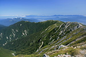 Kiso Mountains - Image: Chausudake and shougigashirayama from kisokoma 2008 9 9