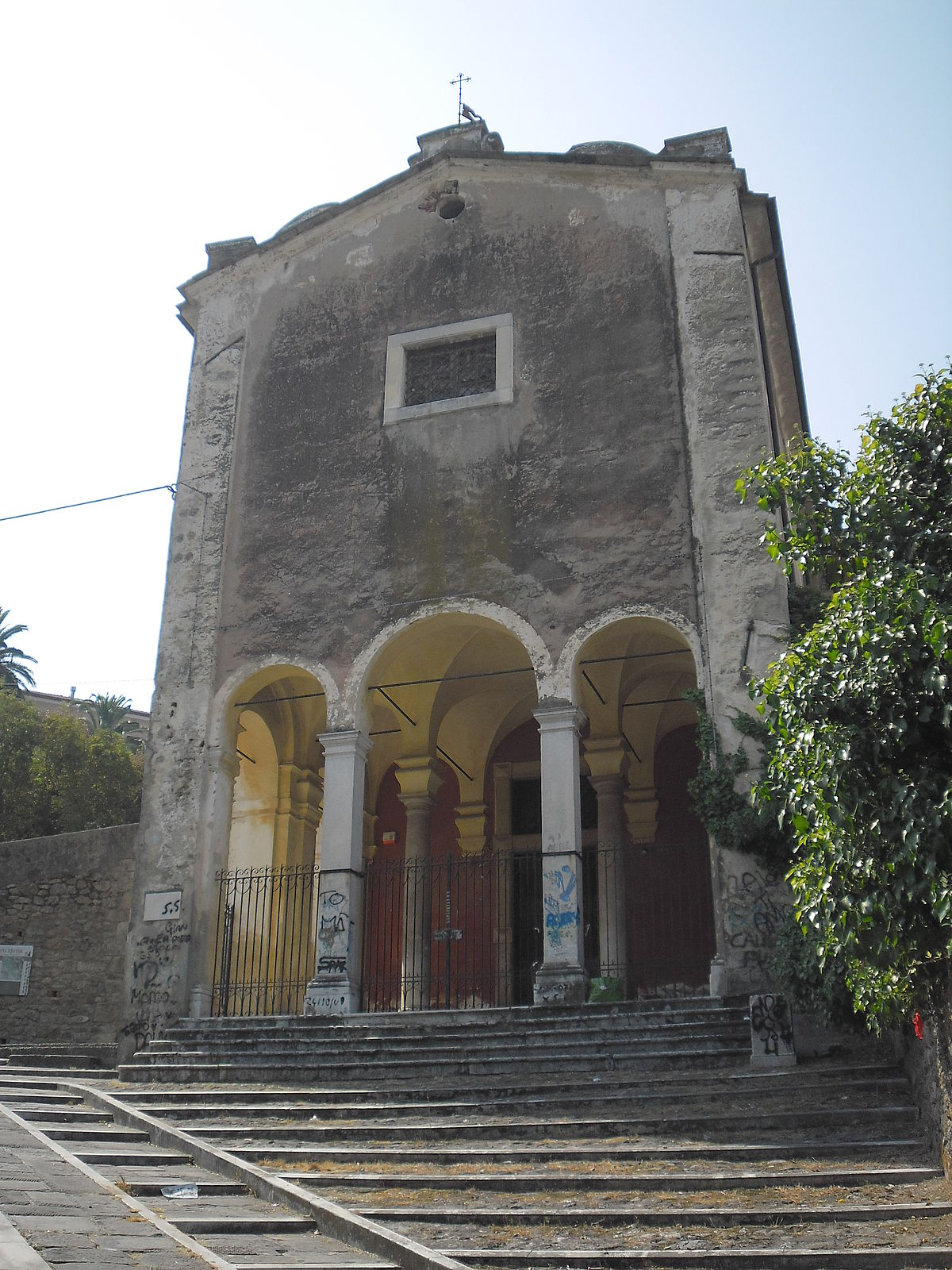 chiesa di santa chiara  massa