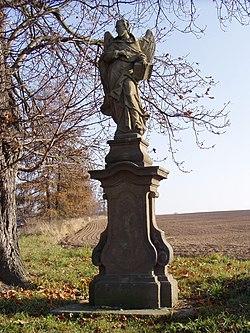 Chvalkovice v Čechách - socha sv. Vincence.jpg
