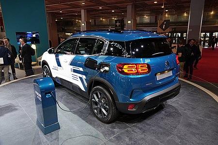 Citroën C5 Aircross hybride rechargeable concept arrière.jpg