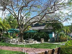 """Ransom School """"Pagoda"""" - Image: Coco Grove FL Ransom School 01"""