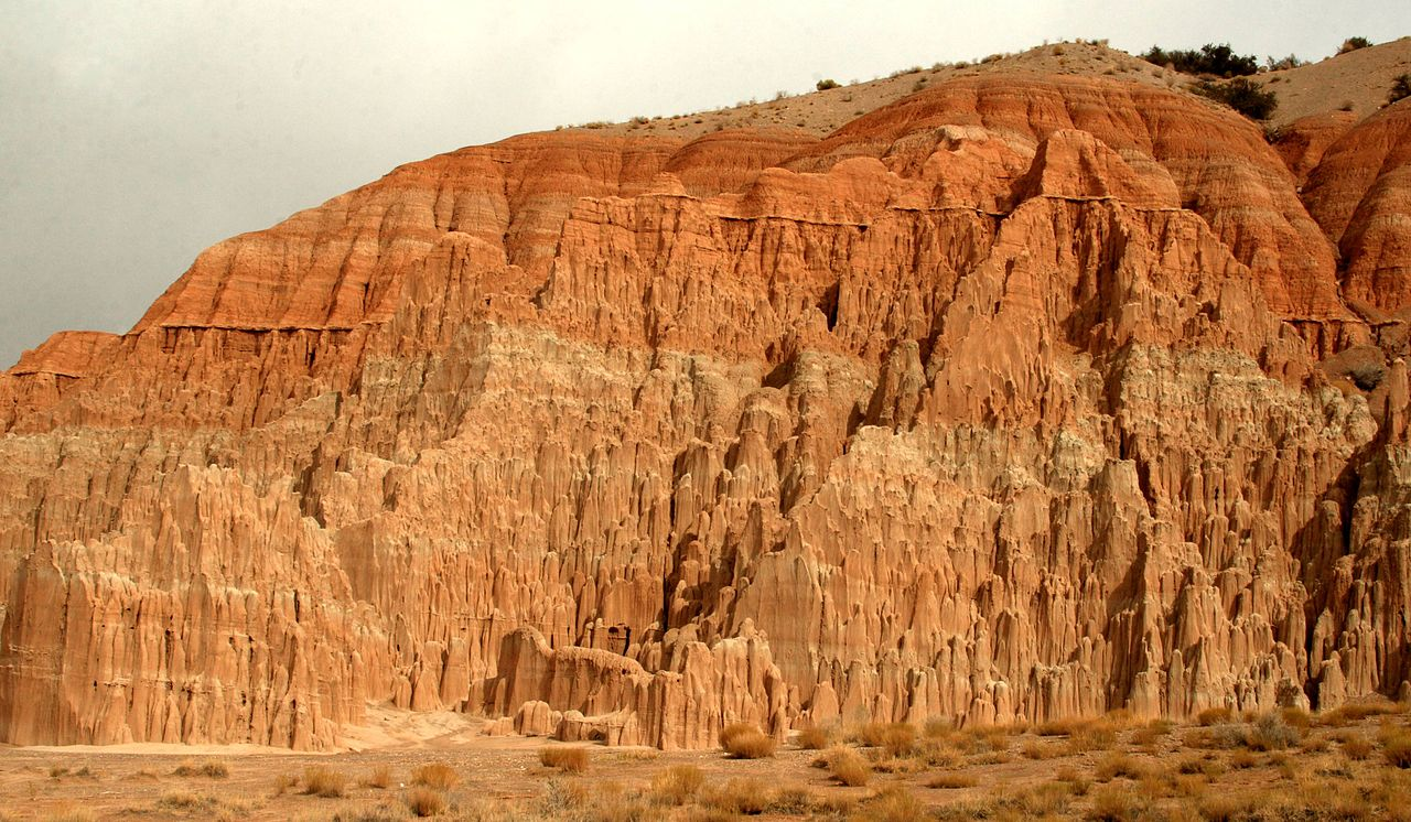File:Cool landscape in Cathedral Gorge State Park, Nevada ...