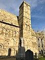 Cormac's Chapel, Rock of Cashel, Caiseal, Éire (32717173168).jpg