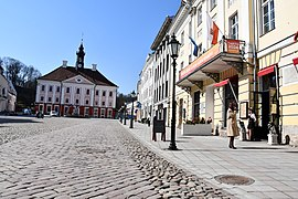 Coronavirus atmosphere at Tartu town hall square on 7th of April 2020 09.jpg