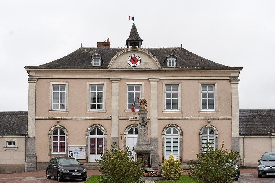 Town hall of Cossé-le-Vivien.