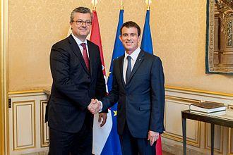 Tihomir Orešković - Orešković meeting with French Prime Minister Manuel Valls in Paris on 30 May 2016