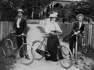 Cycling in New Zealand - Cyclists in Thames in the late 19th Century.