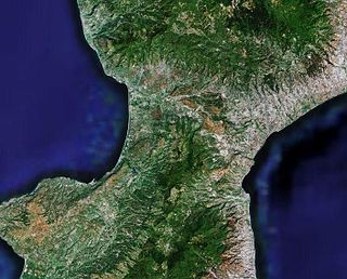 narrowest part of the Italian Peninsula