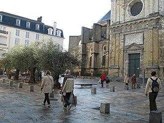 Dax, Landes - Place de la cathédrale.