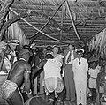 De koningin met dansers in Moengotapoe, Bestanddeelnr 252-4469.jpg