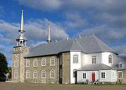 Deschambault church 1.jpg