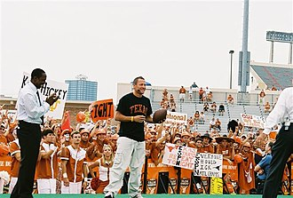 Lance Armstrong - Armstrong (center) on the set of College GameDay during the 2006 UT football season.