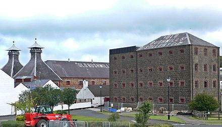 The Old Bushmills Distillery in County Antrim Distillerie OldBushmills.jpg