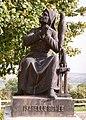 Domrémy, statue Isabelle Romée, mère de Jeanne d'Arc.jpg