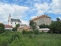 Drnholec, kostel a zámek.jpg