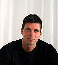 Dv3-croppedblackshirt.jpg