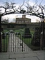 East Pond Garden, Hampton Court Palace - geograph.org.uk - 1107595.jpg