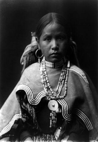Jicarilla Apache - Portrait of a Jicarilla maiden, 1905