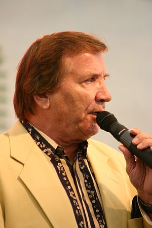 Eino Grön - Image: Eino Grön Vihreät Niityt musiikkitapahtumassa 2004