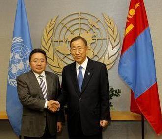 Tsakhiagiin Elbegdorj - UN Secretary General Ban Ki-moon and Elbegdorj meet at the UN Headquarters on 19 September 2011