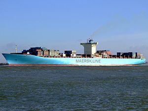 Eleonora Maersk p3 9321500, leaving Port of Rotterdam, Holland 25-Jan-2007.jpg