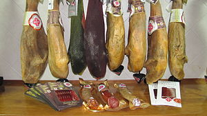"BEHER (ham) - Exposition of ""embutidos"" (sausage goods) and acorn-fed ham with PDO Jamón from Guijuelo of BEHER."